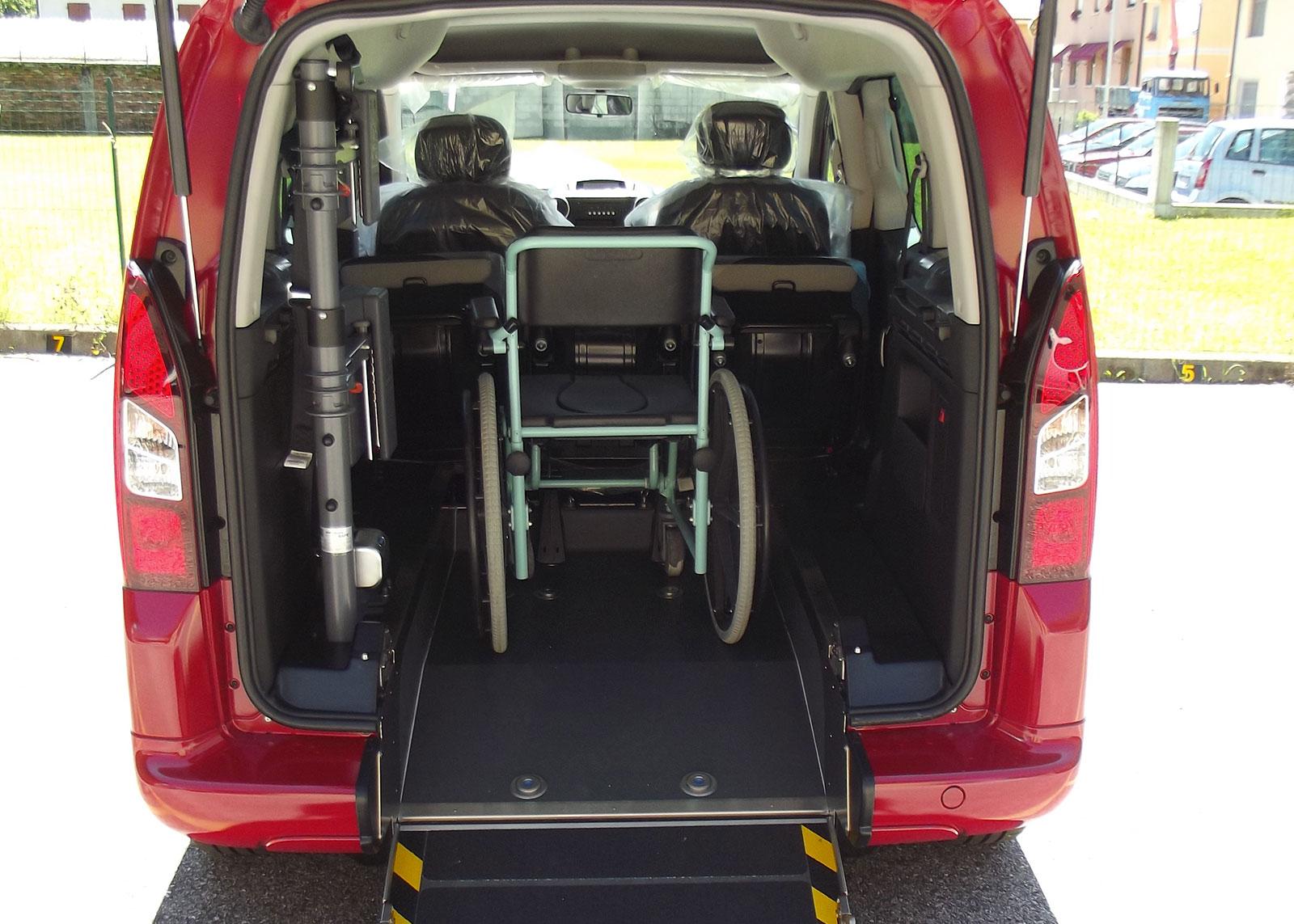 4-peugeot-partner-disabili
