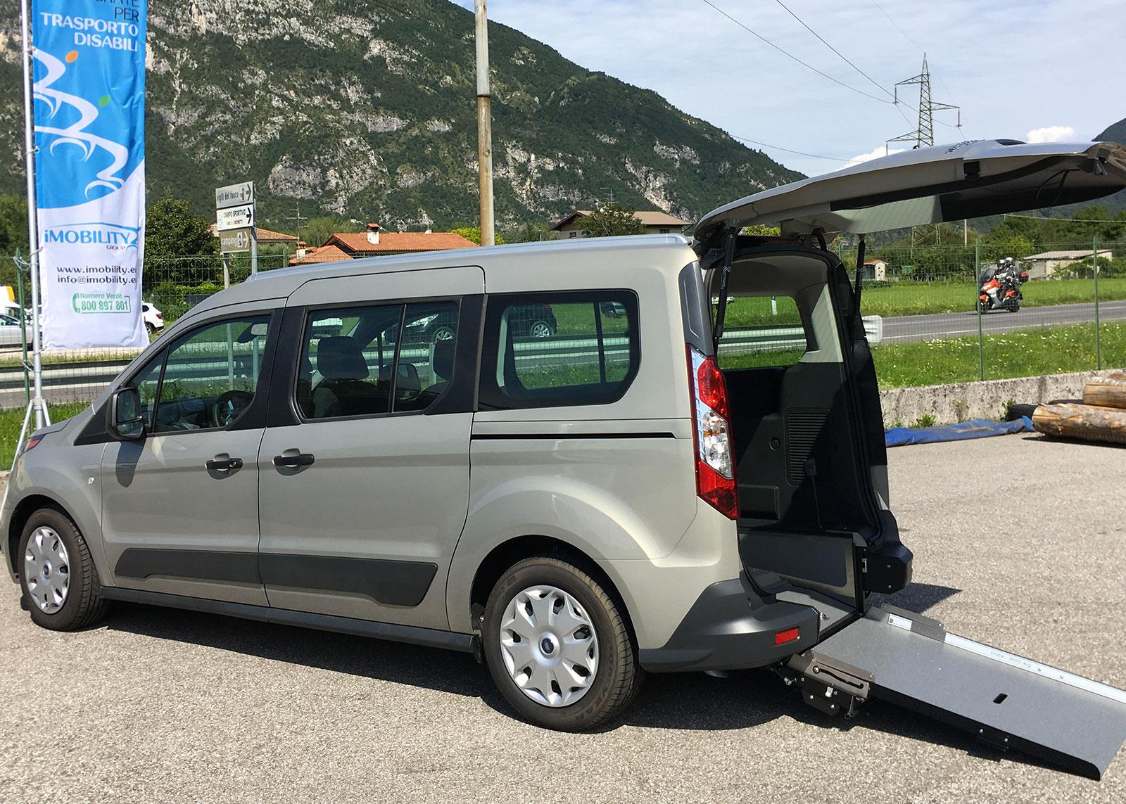 ford-connect-allestimento-handicap