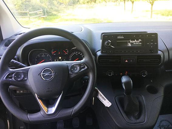 Opel Combo disabili interni