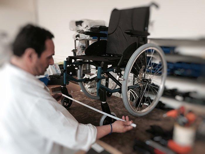 manutenzione sedia a rotelle