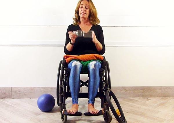 Ginnastica in sedia rotelle
