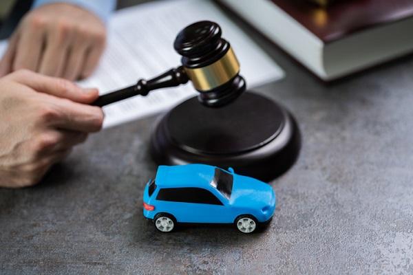 Pignoramento auto intestata a invalido
